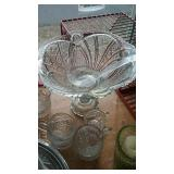 Pattern glass punch bowl on pedestal, 7 cups and