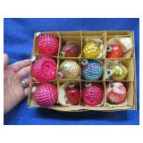 12 smaller old Christmas decorations in box(glass)