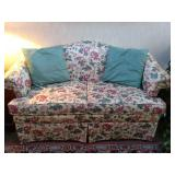 Settee / Loveseat with Accent Pillows