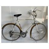 VINTAGE 10 SPEED MEDALIST BICYCLE