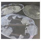 GLASS SERVING PLATTERS