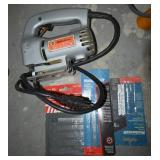 BLACK & DECKER JIG SAW WITH EXTRA BLADES