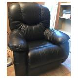 LAZYBOY LEATHER RECLINER CHAIR