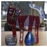 ART GLASS CAT, SIGNED IRIDESCENT EGG