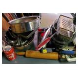 Rolling Pin, Bake pans, Bakeware lot