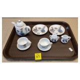 Kath Kruse Reutter Porzellan Germany Mini Tea Set