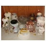 Table lot of Assorted HH & Decor