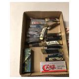 BX OF 23 FOLDING KNIVES