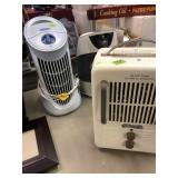 2 HUMIDIFIERS & ELECTRIC HEATER