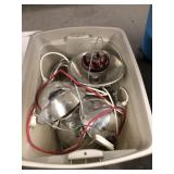 TOTE OF CLAMP ON LIGHTS