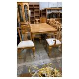 OAK DINING TABLE, LEAF & 8 CHAIRS