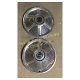 2 mustang hubcaps