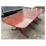 Drop-Leaf Dining Table w/4 Leaves