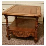 Hekman Lamp or End Table w/Lower Drawer
