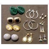 11 Pairs of Earrings incl Solitaire, Cameo, etc.