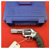 Smith & Wesson 617-6 .22LR Revolver