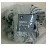 Home Trends Plush Throw Blanket