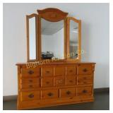 Dresser w/ Tri Fold Mirror 8 Drawers