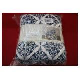 Monte & Jardin Ultra Plush Throw Blanket