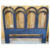 WOODEN AND WIRE HEAD BOARD QUEEN OR FULL