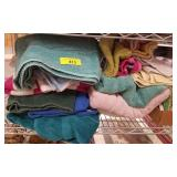 GROUP OF ASSORTED TOWELS AND CLOTHS