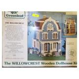 GREEN LEAF WILLOW CREST DOLL  HOUSE