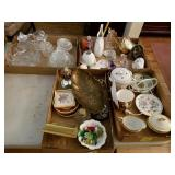 4 TRAY LOTS: ANIMAL FIGURINES, SMALL FRAMES,