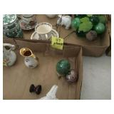 2 TRAY LOTS: SMALL VASES, ORIENTAL GINGER JAR,