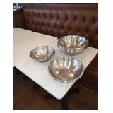 LOT OF 19 SS BOWLS