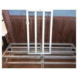 5 FT DUNNAGE STANDS