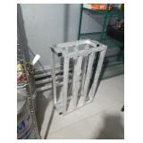 3 FT DUNNAGE STANDS