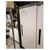 ARCTIC AIR UPRIGHT FREEZER AWF25 WITH WHEELS