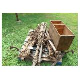 HAY GRAPPLES, WOODEN BOX, FRONT AXLE