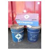 ARCO 5 GALLON CANS & ARCO PLASTIC SIGN - DAMAGED