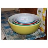 SET OF 4 PYREX PRIMARY COLOR BOWLS