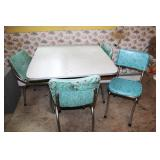 FORMICA TOP DROP LEAF TABLE WITH 4 CHAIRS