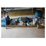 LARGE GROUPING OF KITCHEN ITEMS