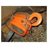 Small 1/2 Ton chain Hoist