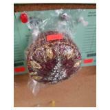 +Round Beaded Christmas Motif Dresser Box