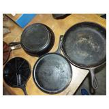 ASSORTED IRON FRY PAND