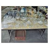 ASSORTED GLASSWARE AND OIL LAMPS