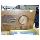 MID CENTURY WOOD RADIO