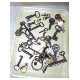 ASSORTED SKELTON & OTHER KEYS