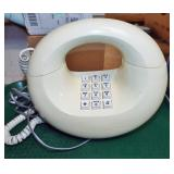 RETRO CIRCLE TELEPHONE