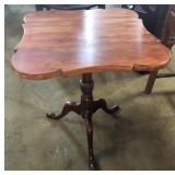 SCALLOP TOP QUEEN ANN BASE TABLE