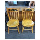 WINDSOR STYLE PLANK SEAT CHAIRS