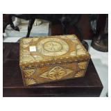 SMALL BUTTER PRINT CARVED BOX