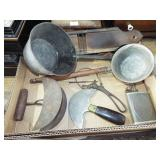 ASSORTED TOLEWARE AND KITCHEN ITMS