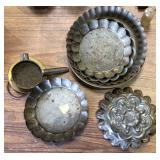 ASSORTED TOLEWARE LOT