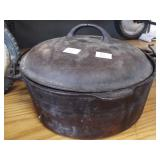WAGNER CAST IRON DUTCH OVEN WITH LID